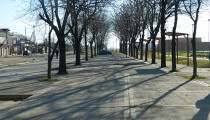 La importante y pintoresca obra, anunciada en 2010 por Sandro Guzmán, fue terminada hace dos años pero nunca se habilitó. Cualquier similitud con la historia de la calle Güemes es mera coincidencia.