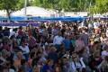 Con una asistencia que superó las expectativas, la Fiesta del Jardín Japonés le hizo de contrapunto a la tradicional exposición escobarense. Entretelones de una pulseada con tinte político y promesas de sinergia para 2015.