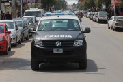 Conformado por una flota de veinte flamantes camionetas 4x4 que recorren el distrito las 24 horas del día, el Comando de Prevención Comunitaria es el nuevo brazo operativo de la Policía Bonaerense. En Escobar empezó a funcionar a fines de agosto y su presencia se hace notar en las calles.