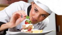 Desde hace casi dos décadas la carrera de gastronomía fue ganando adeptos debido a la gran cantidad de oportunidades laborales que ofrece. Los institutos dedicados a la enseñanza son modernos laboratorios donde se aprende desde la física y la química de los alimentos hasta cómo poner una mesa.