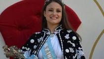 """Estudiante de Medicina, amante del baile y súper simpática, la joven de Garín fue elegida como nueva Reina Nacional de la Flor. """"Es una sensación única, indescriptible"""", afirma, rebosante de felicidad."""