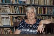 Fue docente durante más de tres décadas y aún lleva su vocación en el alma. Ahora trabaja ad honorem en la biblioteca rotaria de Ingeniero Maschwitz, donde vive desde que nació, hace 73 años.